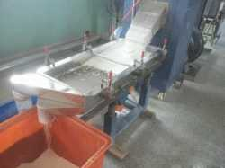 Screening of linear vibrating screen